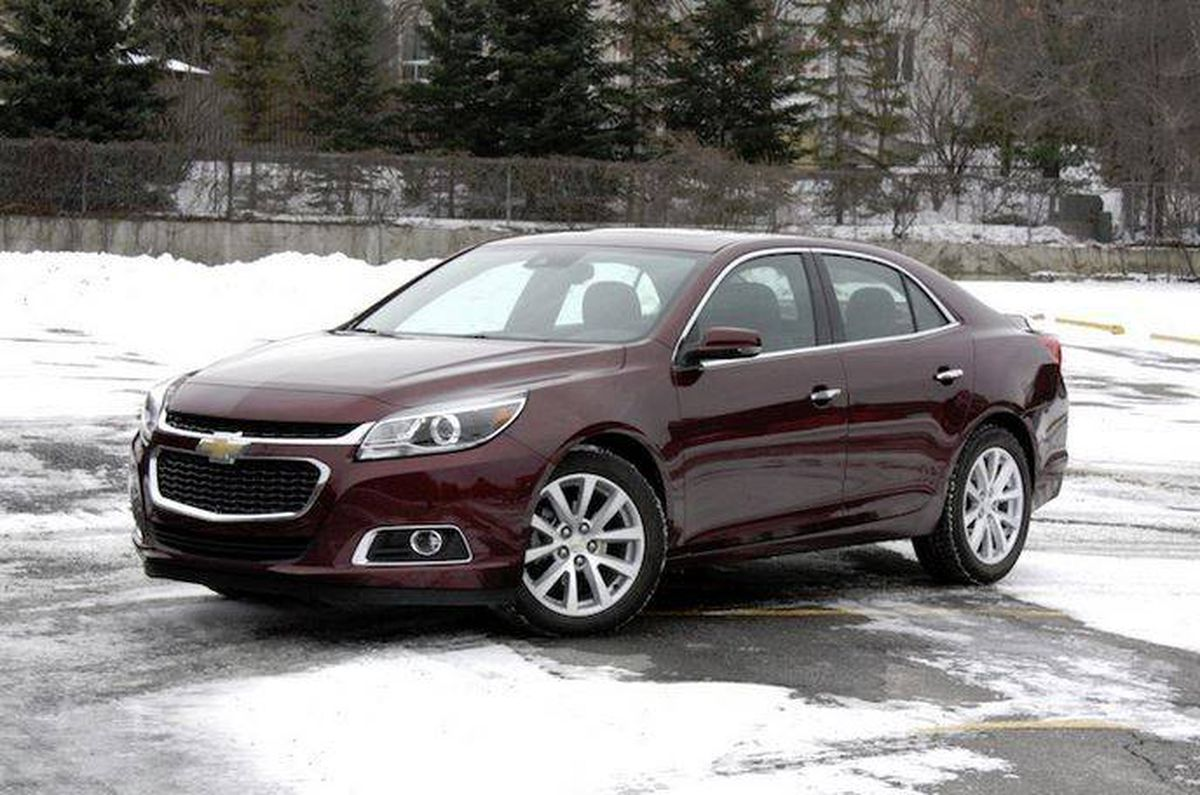 review 2015 chevrolet malibu rather bland but deserves more attention the globe and mail. Black Bedroom Furniture Sets. Home Design Ideas