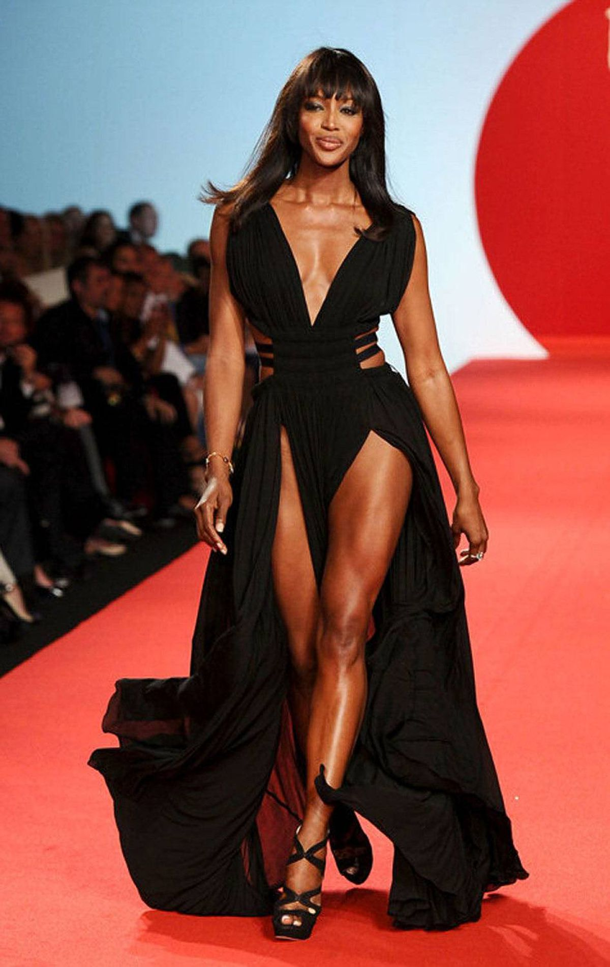 Even at 41, Naomi Campbell can still kill it on a runway.