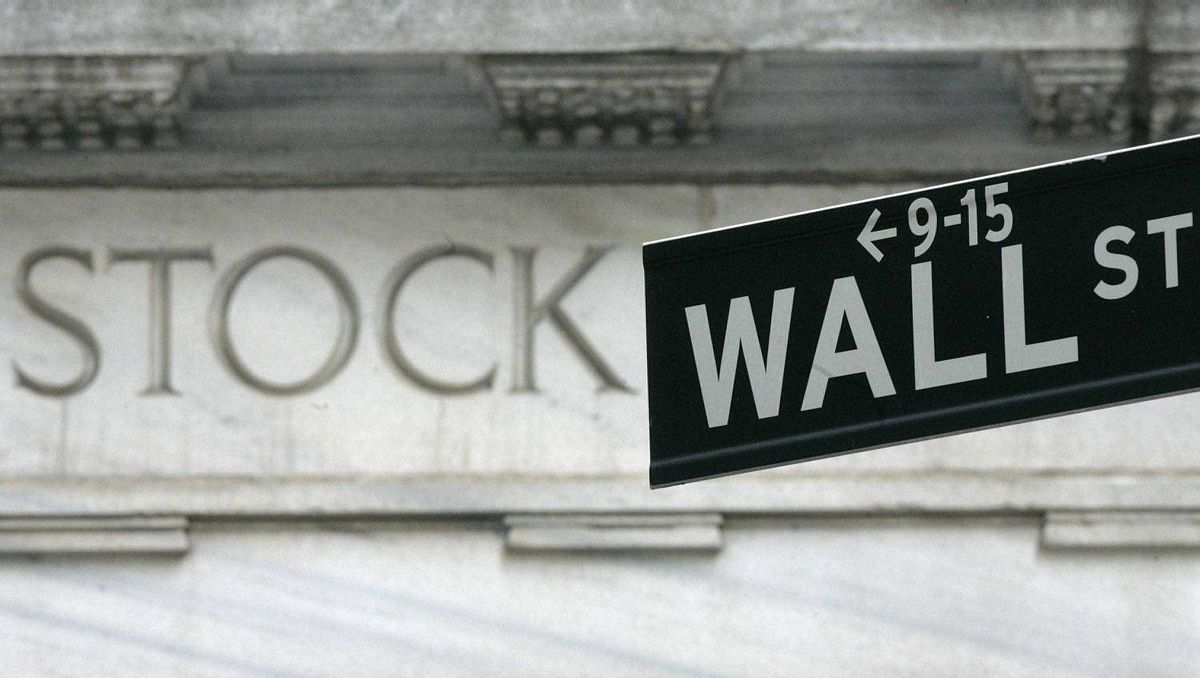A Wall Street sign is seen outside the New York Stock Exchange March 21, 2007. Stocks ended sharply higher on Wednesday after investors interpreted the Federal Reserve's latest policy statement as leading to a rate cut. The three major indexes each ended up more than 1 percent. REUTERS/Brendan McDermid (UNITED STATES)