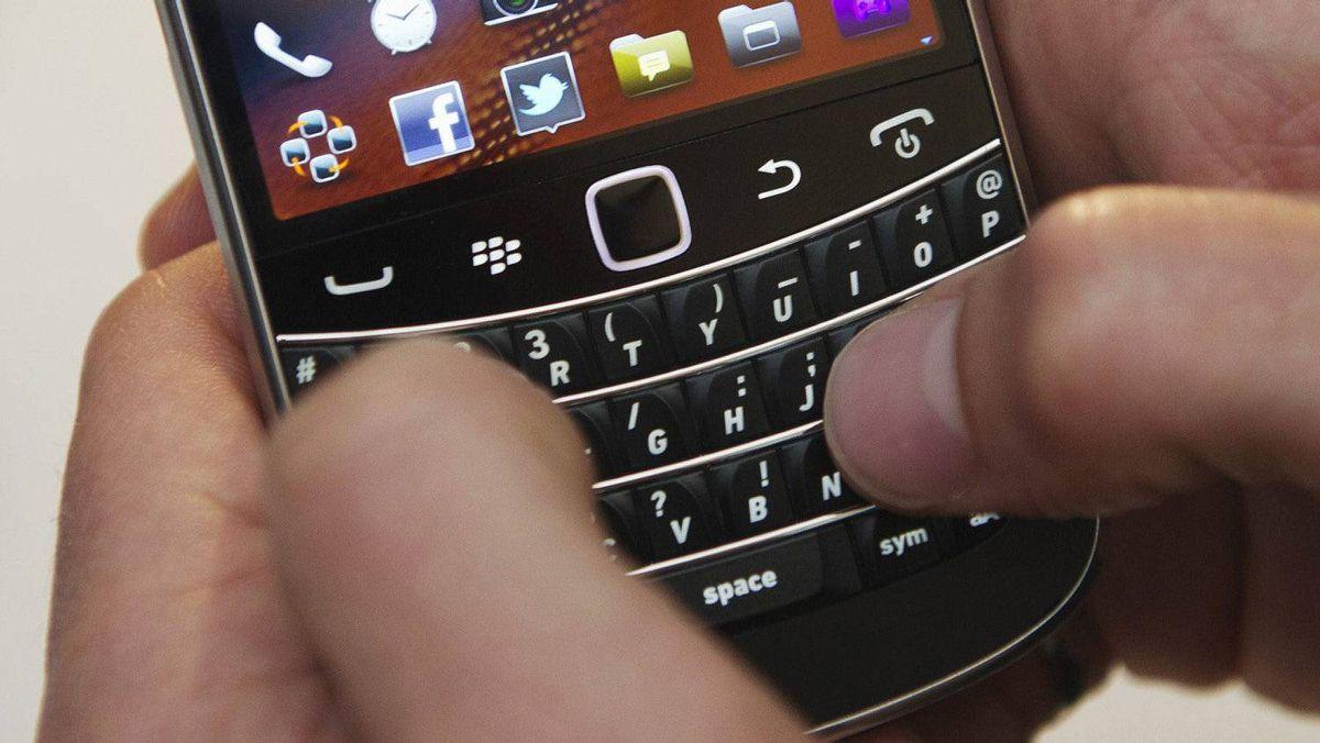 Jim Prentice: I'm keeping my BlackBerry