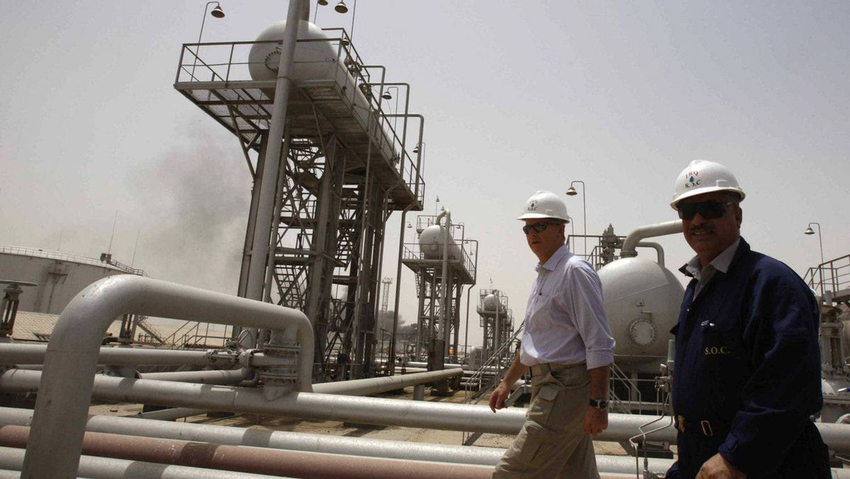 Oil infrastructure in Iraq. Exxon 's signing of an oil and gas deal with the semi-autonomous Kurdistan region has drawn a sharp response from the central government in Baghdad.