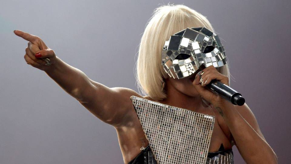 Is Lady Gaga A Transvestite