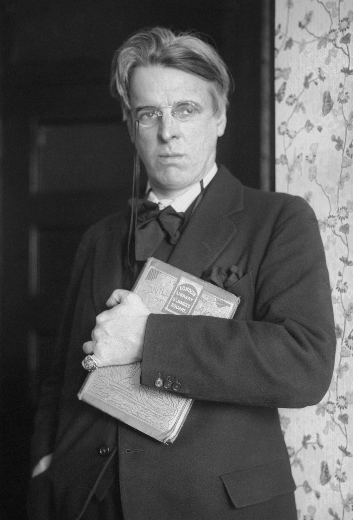 the commemoration of the rebels in easter 1916 a poem by william butler yeats