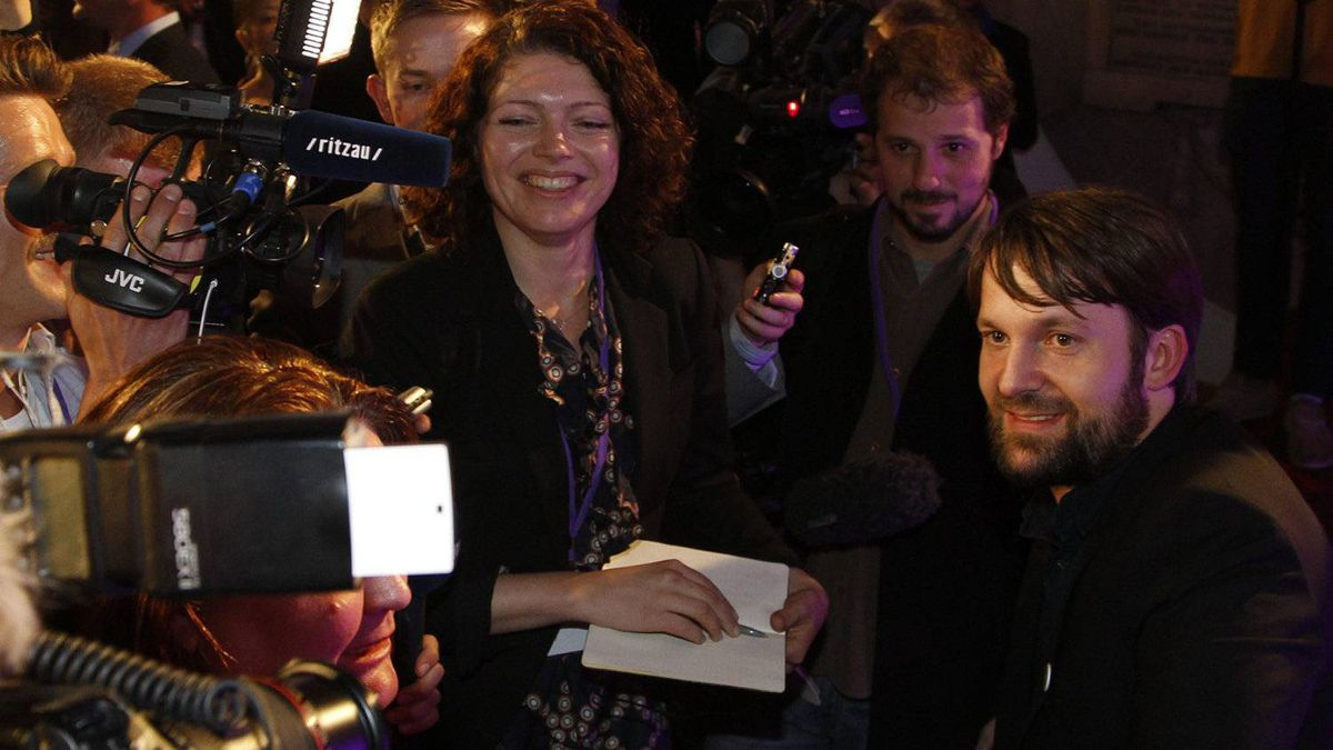Chef Rene Redzepi, right, of Danish restaurant Noma, which won top honours on the World's Best Restaurant list, talks to members of the media after the awards in London on Monday, April 30, 2012.