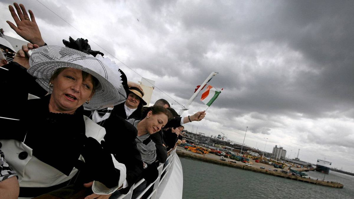 Carmel Bradburn of Adelaide, South Australia waves as the Titanic Memorial Cruise leaves port in Southampton, England April 8, 2012. The cruise retraces the voyage of the ill-fated Titanic liner, which hit an iceberg and sank 100 years ago on April 15, 1912.