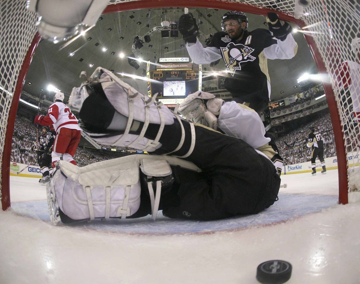 Sergei Gonchar arrived too late to help Marc-Andre Fleury on Henrik Zetterberg's first-period goal in Game 3.