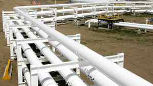 Pipelines feed crude oil into in the tank farm at the Enbridge Pipelines oil terminal facility in Hardisty, Alta. Enbridge, Inc. ownes 72 per cent of Enbridge Income Fund Holdings, Inc.