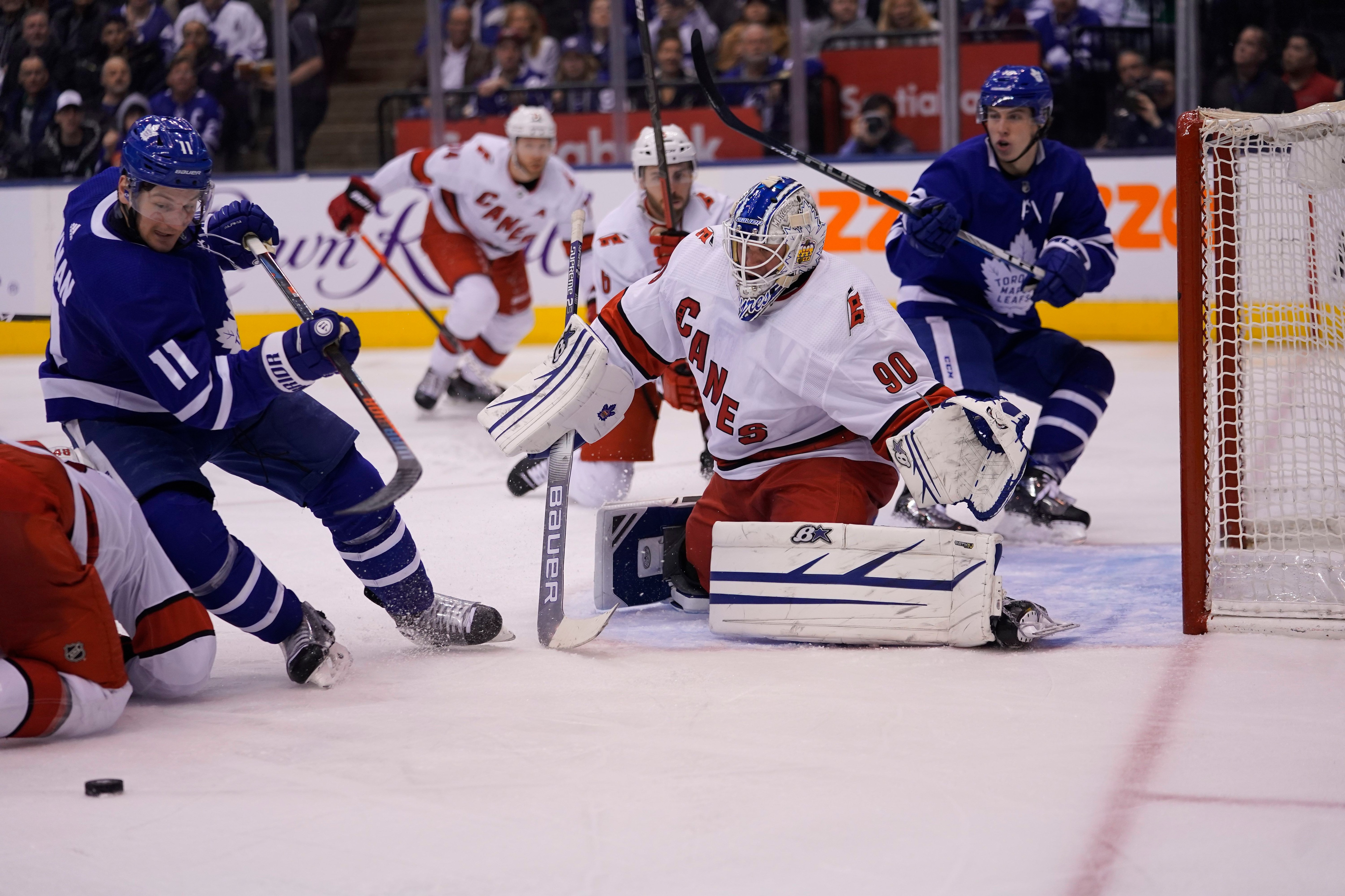 Hurricanes Ride Emergency Backup Goalie And Zamboni Driver David Ayres To 6 3 Win Over Leafs The Globe And Mail