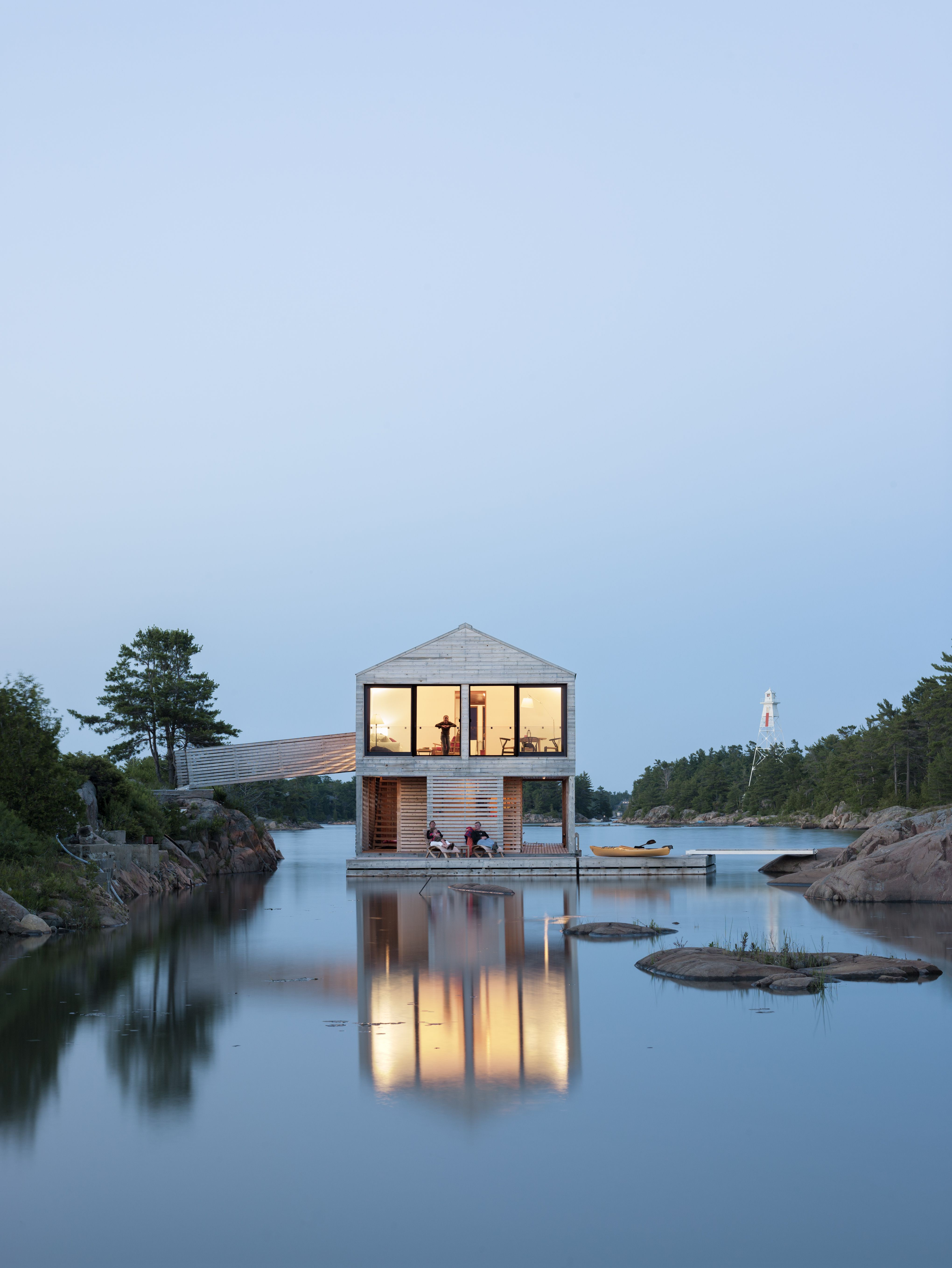Six Waterfront Homes That Embrace The Power Of Nature