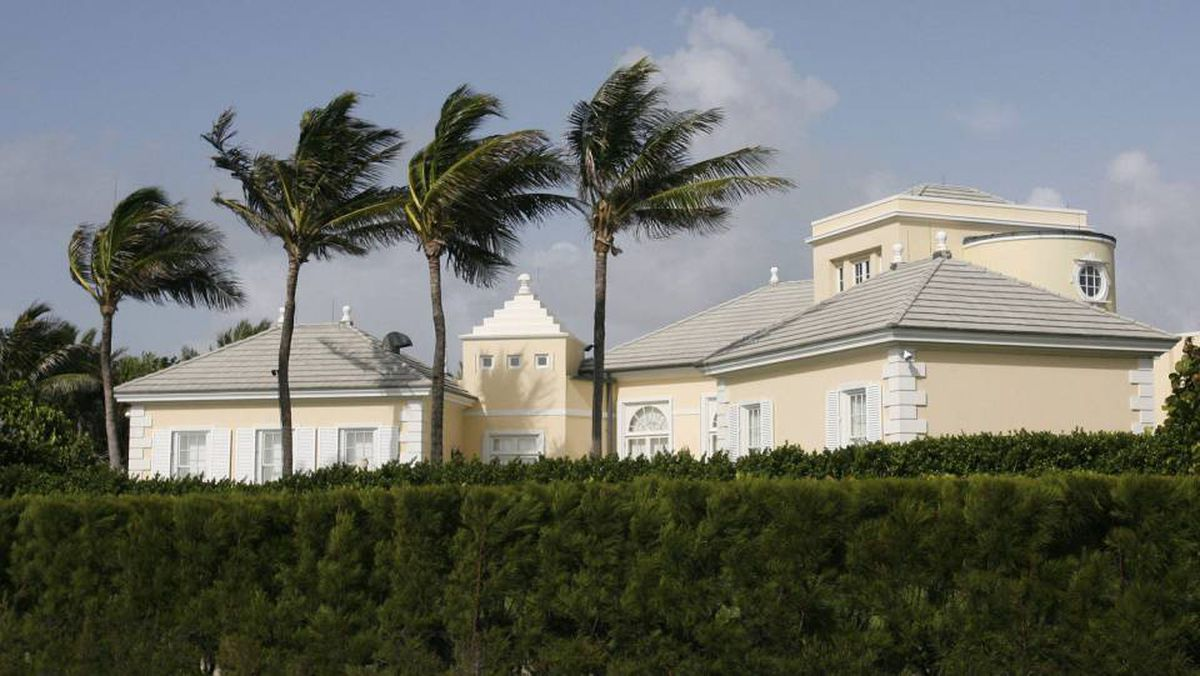The $30-million, 21,000-square-foot, ocean-front mansion in Palm Beach Conrad Black owned and returned to after his release from prison. The title has been turned over to a Connecticut-based investment firm to settle an $11.6-million loan and the property is up for sale.