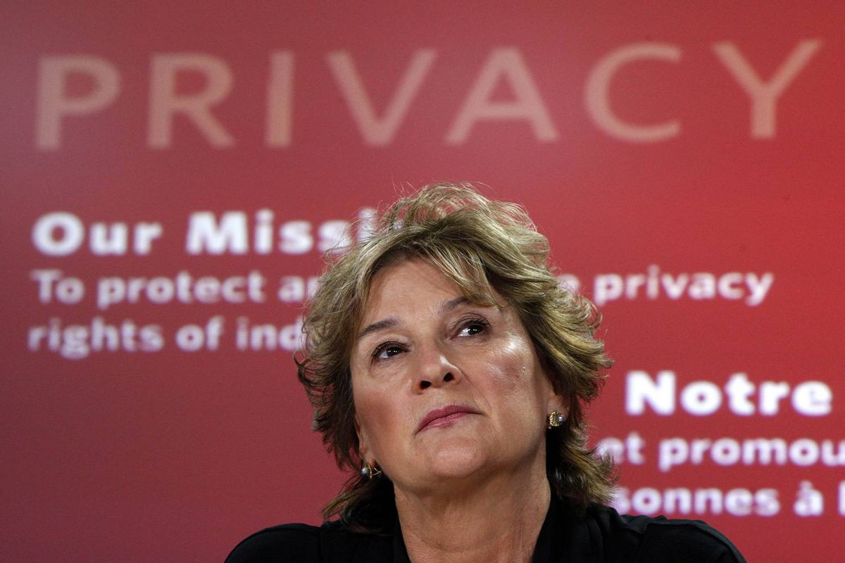 Canada's Privacy Commissioner Jennifer Stoddart pauses during a news conference in Ottawa August 27, 2009.