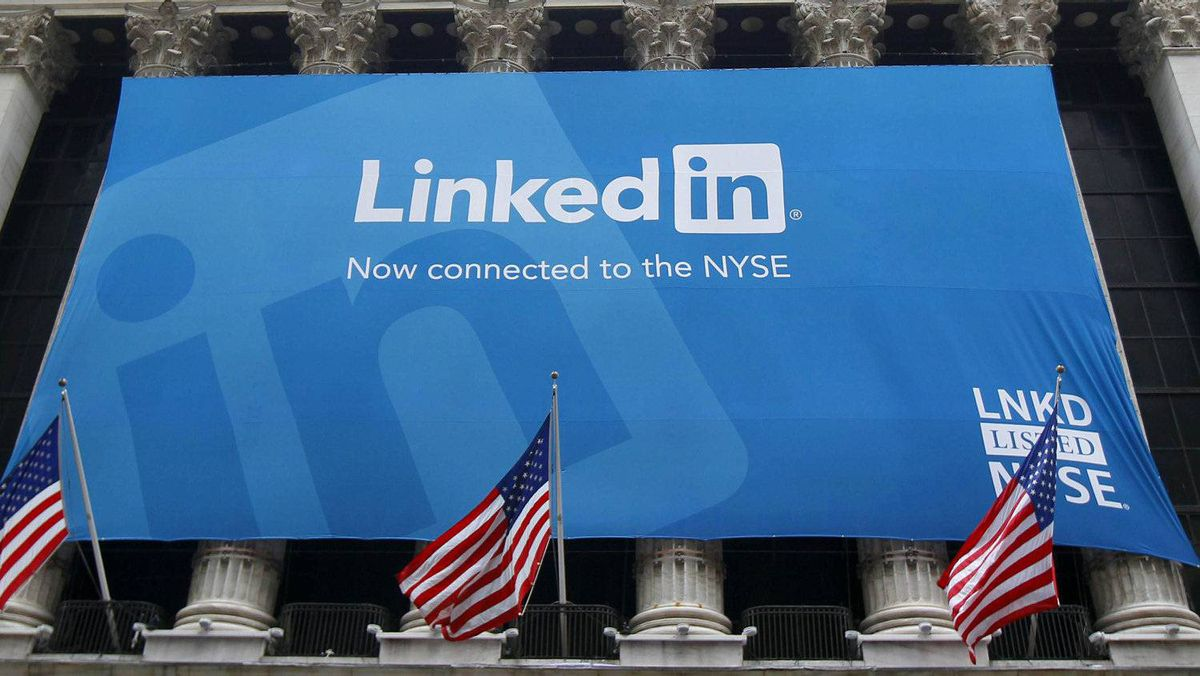 Social media such as LinkedIn offer opportunities to connect with would-be employers.