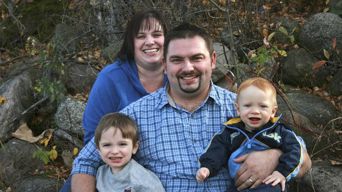 Shannon Wheaton, a pastor from Fort McMurray, Alta., centre, his wife Trena Thompson-Wheaton, and youngest son Benjamin, died in a head-on crash north of Edmonton Friday. Oldest son Timothy survived.
