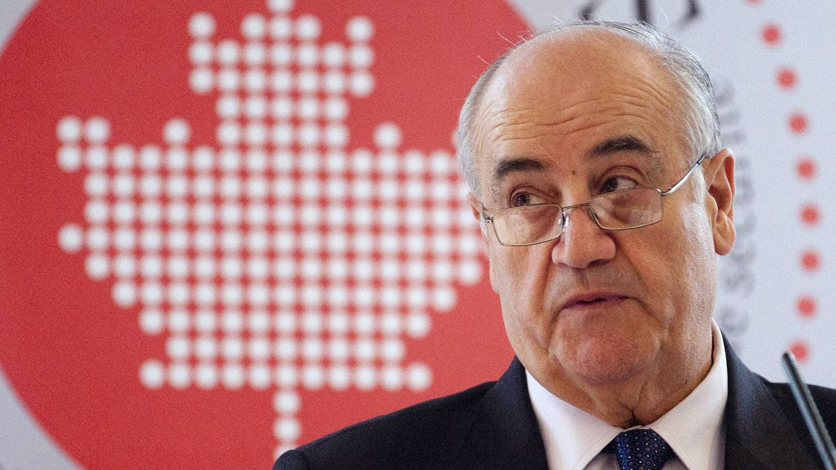 Conservative MP Julian Fantino speaks to members of the defence and security industries about procurement of the F35 joint strike fighter in Ottawa, Friday March 16, 2012.