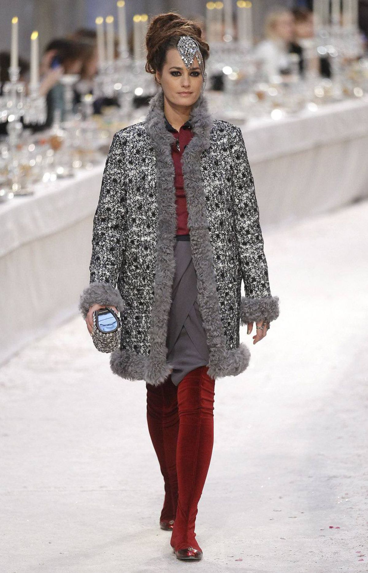 Here is British model Yasmin Le Bon who, let it be known, is 47 years old. Her coat alone screams old money-meets-new money. Meanwhile, her crimson tights seem destined for the one percent, legs edition.