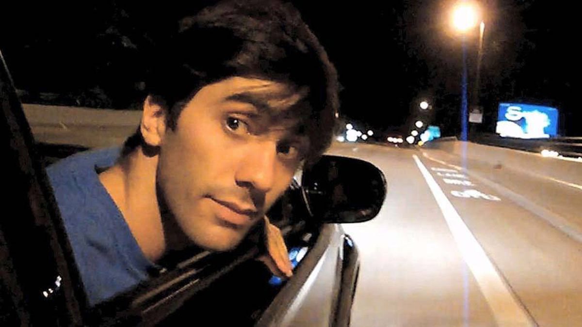 Nev Schulman in a scene from Catfish.