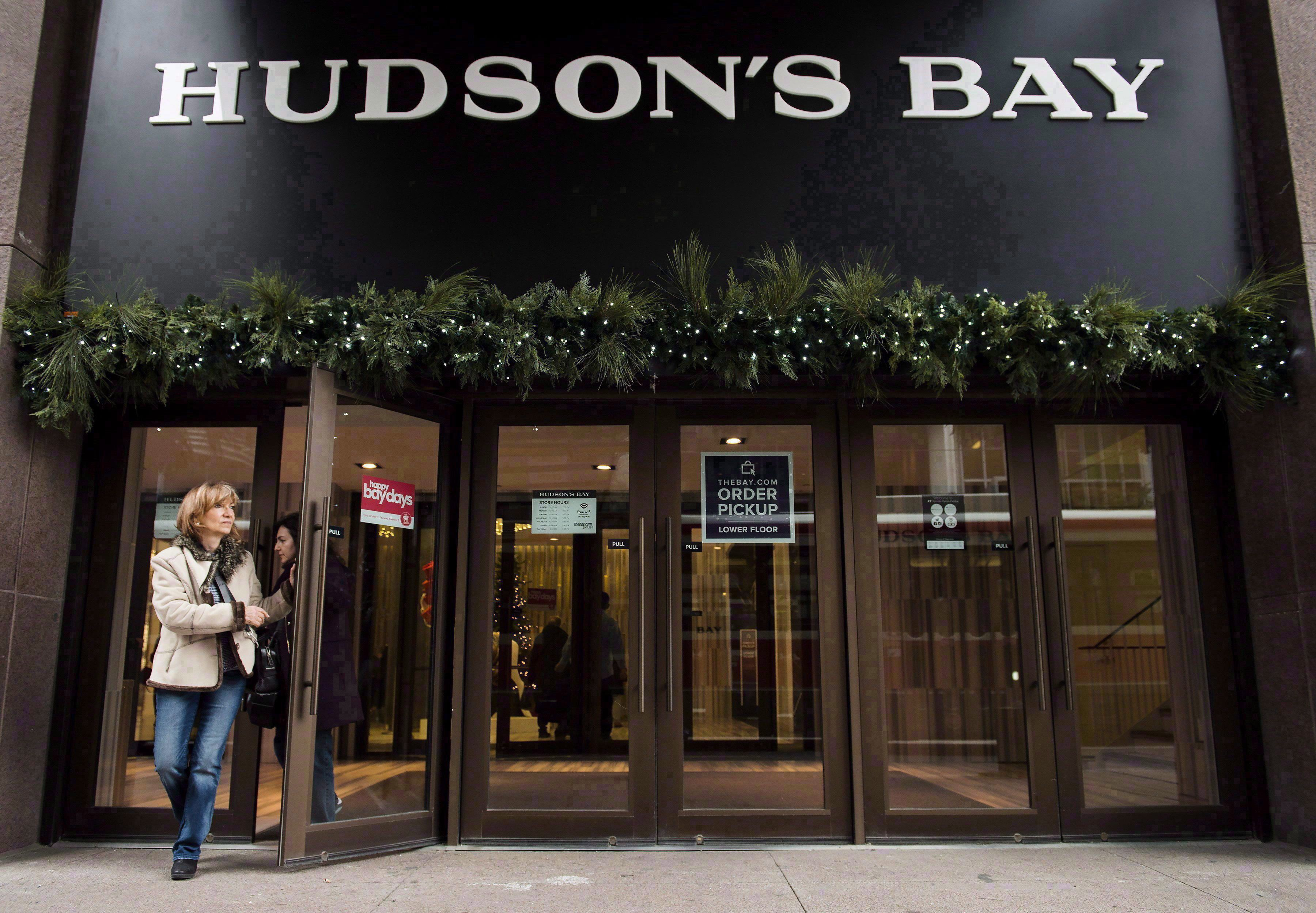 Hudson's Bay reports wider quarterly loss on lower sales, heavy discounts