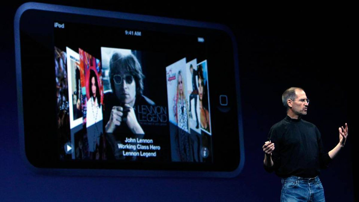Apple CEO Steve Jobs is expected to unveil a new 'tablet' device, alongside a project designed to boost sales of CD-length music, at an Apple event in September.