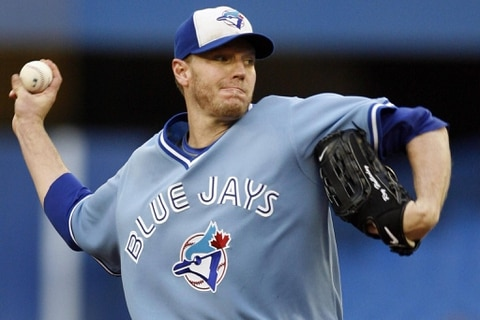 Baseball star Halladay's plane made dive before fatal crash -NTSB