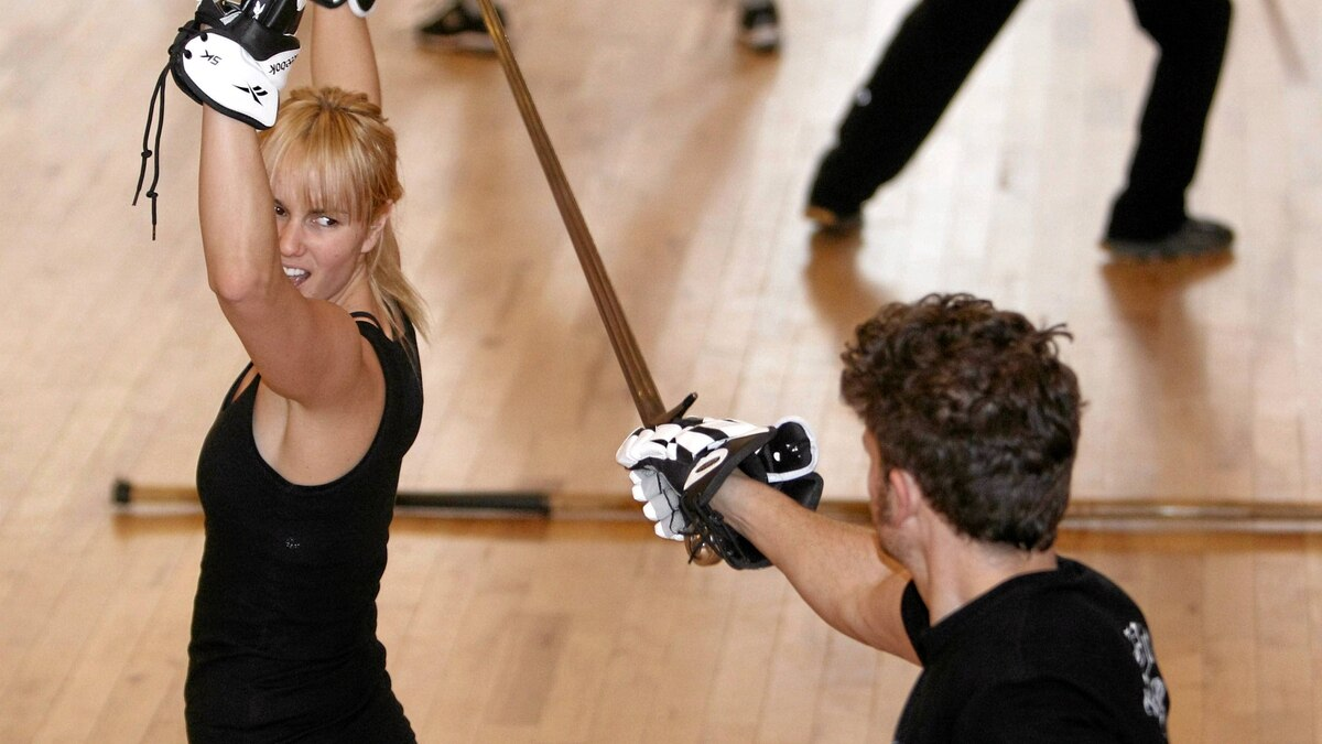 Allie Thomas and Chili Thom train SwordFit at Academie Duello 412 West Hastings Street in Vancouver, BC.