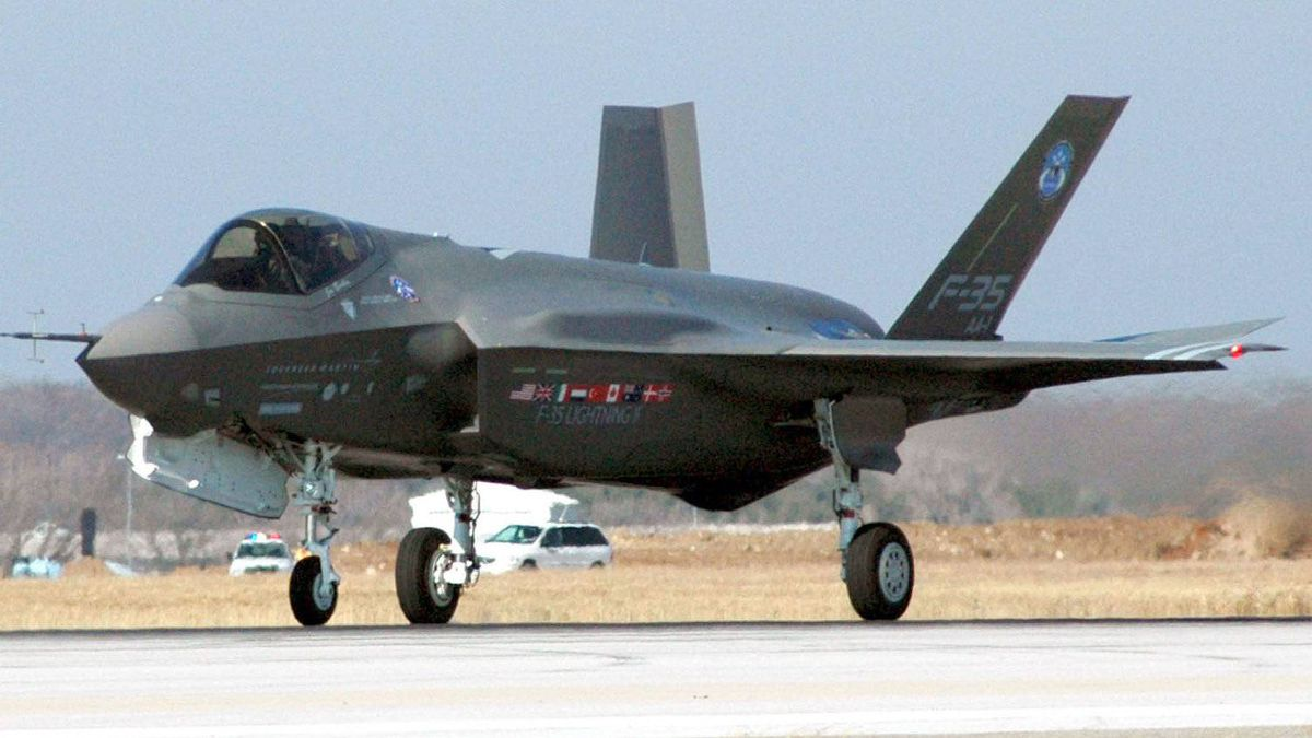 This US Navy handout image shows the F-35 Joint Strike Fighter Lightning II, built by Lockheed Martin as it takes off for its first flight on 15 December, 2006 to test the aircraft's initial capability from the Joint Reserve Base, Fort Worth, Texas.