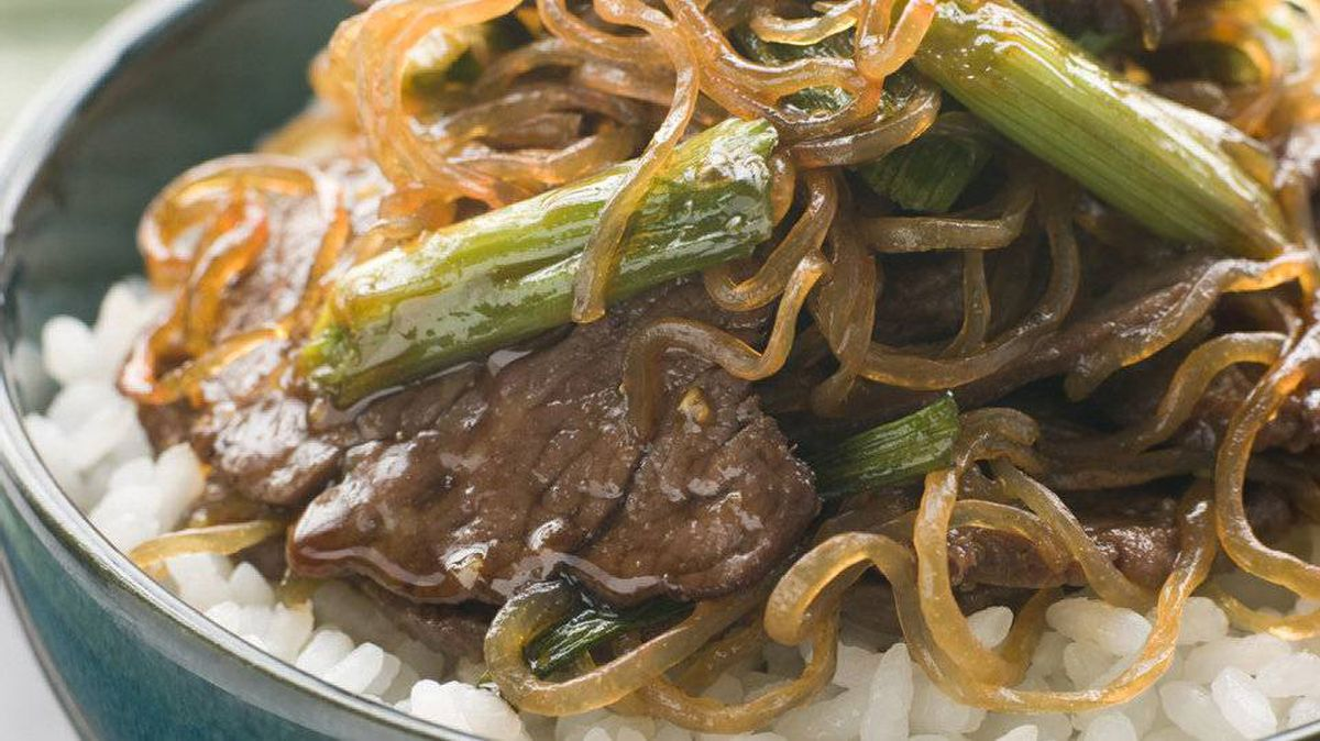 Sweet soy beef with shirataki noodles and rice.