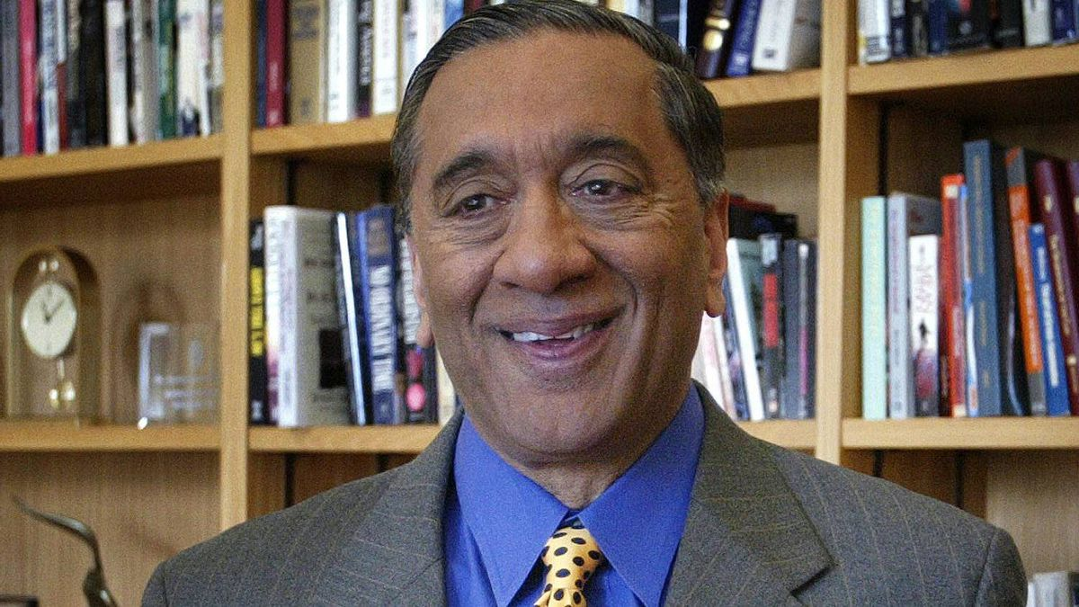 Wally Oppal seen here at his office in Vancouver April 1, 2005.