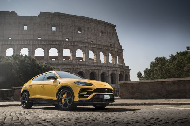 Review Lamborghini Urus Looks Wild And Drives Fast The Globe And Mail