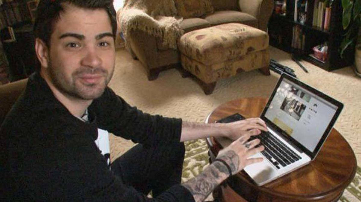 """Hunter Moore: His website """"isanyoneup"""" has been replaced by bullyville.com."""