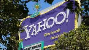 Microsoft mulling new bid for Yahoo: sources
