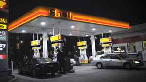 A Shell gas station at the corner of Wellington St. West and Spadina Ave. is photographed on Nov 24 2010. (Fred Lum/The Globe and Mail)