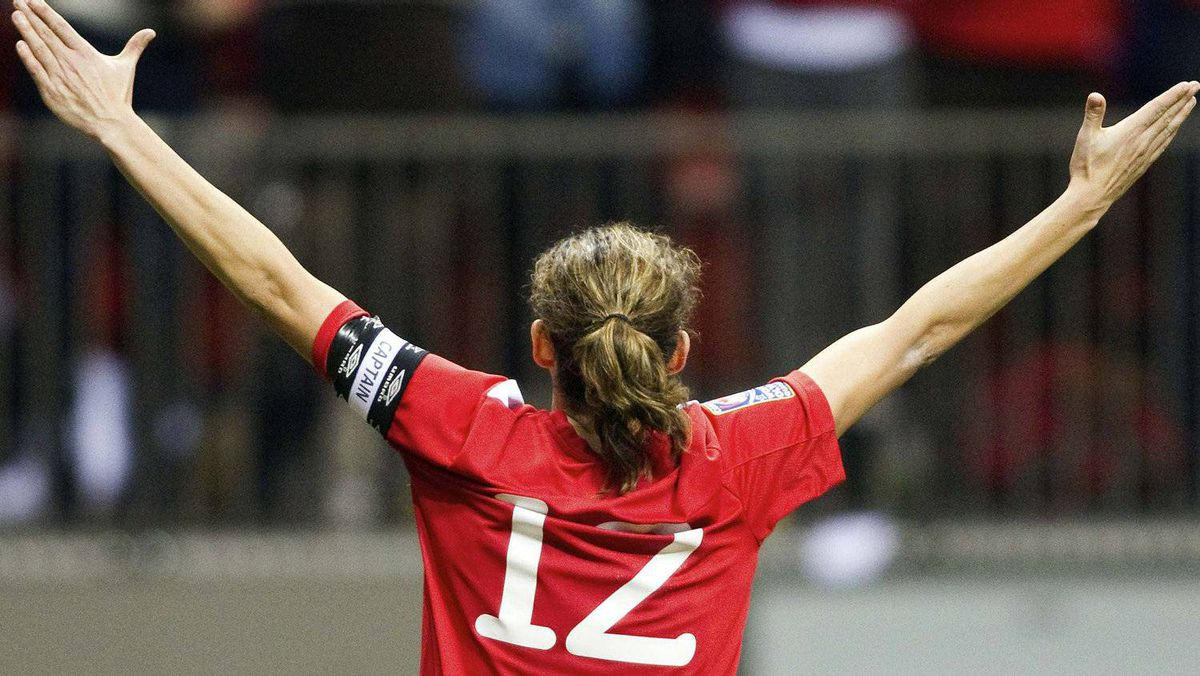 Christine Sinclair of Canada celebrates her goal against Mexico during the second half of their semi-final CONCACAF Women's Olympic qualifying soccer match in Vancouver, British Columbia January 27, 2012. REUTERS/Ben Nelms