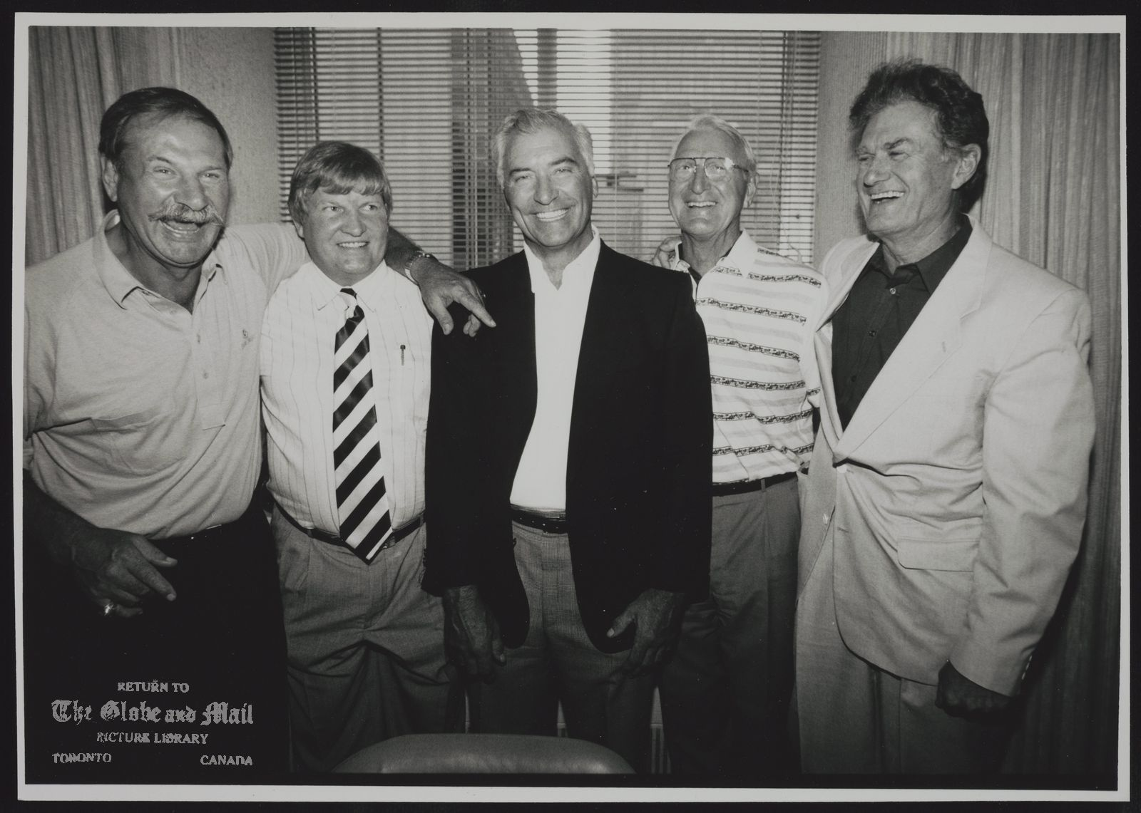 HOCKEY - OLDTIMERS A HAPPY GROUP OF FORMER NHL PLAYERS GATHERED IN TORONTO YESTERDAY TO CELEBRATE THE NEWS THAT THE PENSIONS THEY HAD BEEN FIGHTING FOR HAVE BEEN REALIZED. FROM LEFT ARE EDDIE SHACK, KEITH McCREARY, ANDY BATHGATE, LEO REISE AND ALLAN STANLEY.