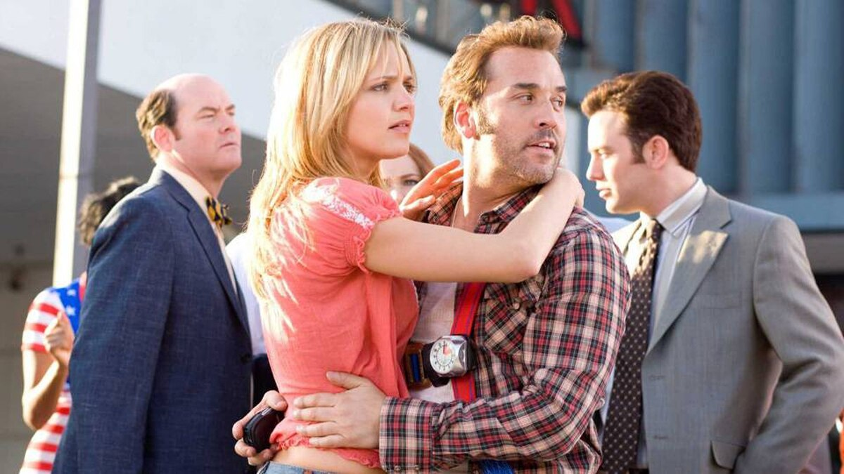 It's a do or die weekend at Selleck Motors and everyone, including Brent Gage (David Koechner), Ivy Selleck (Jordana Spiro) Don Ready (Jeremy Piven) and Blake (Jonathan Sadowski) knows it.