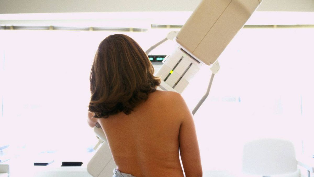 Woman receives a breast exam. A sweeping medical study found 109 cases of breast cancer that had not been previously diagnosed in Quebec.