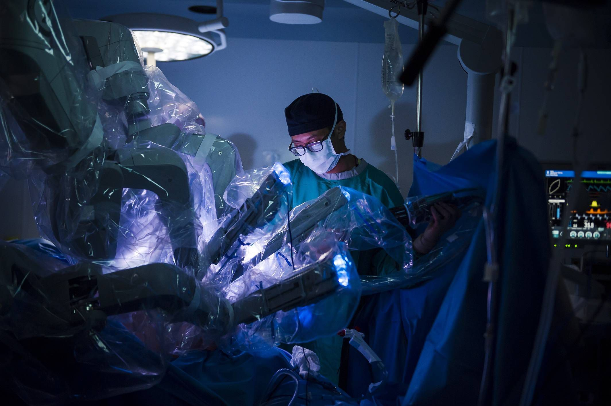 The Fight Over Robots In The Operating Room The Globe And Mail