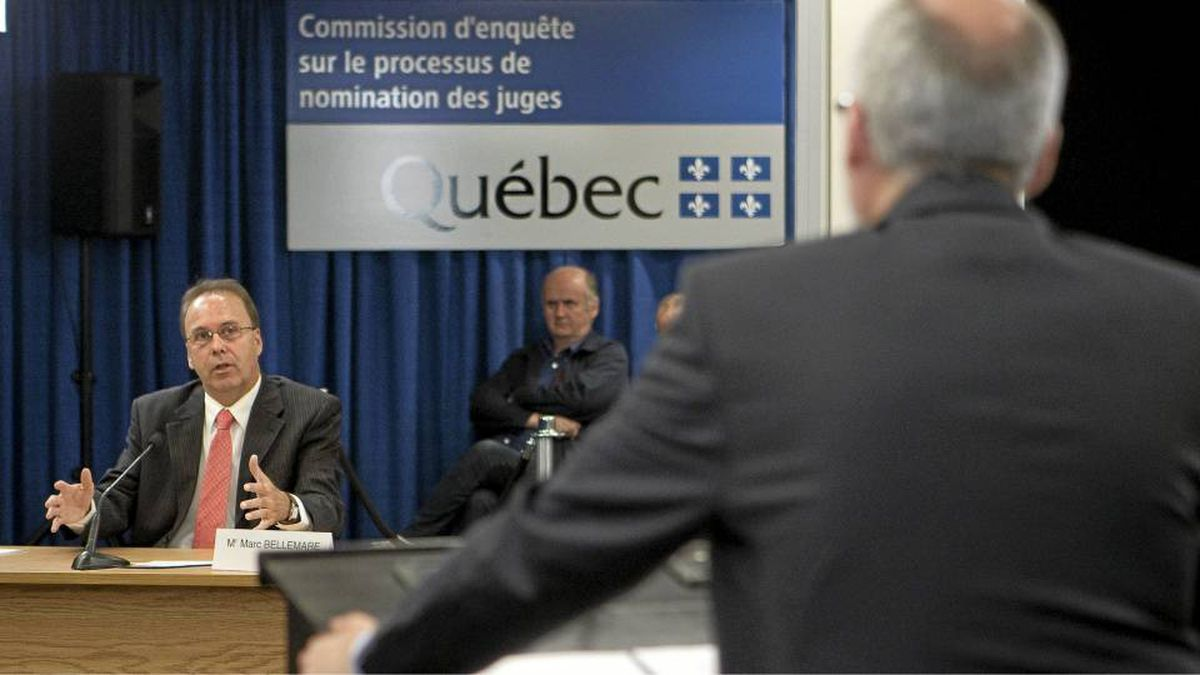 Commission lawyer Giuseppe Battista, right, questions former Quebec Justice Minister Marc Bellemarre, left, at the Inquiry Commission into the appointment process for judges, Wednesday, August 25, 2010 in Quebec City.