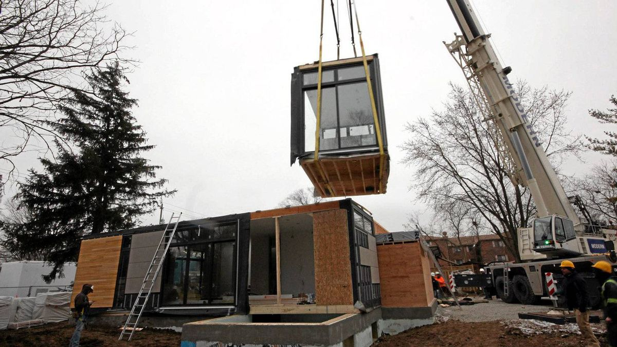 A prefabricated home from Nexterra Green Homes Ltd. is assembled in North York, Toronto. Basic components of the 2,132-square-foot, two-storey house – sub-floors and walls and ceilings, tubs and sinks, doors and fixtures, plumbing, even the pre-tiled bathroom – arrived on trucks in late January.