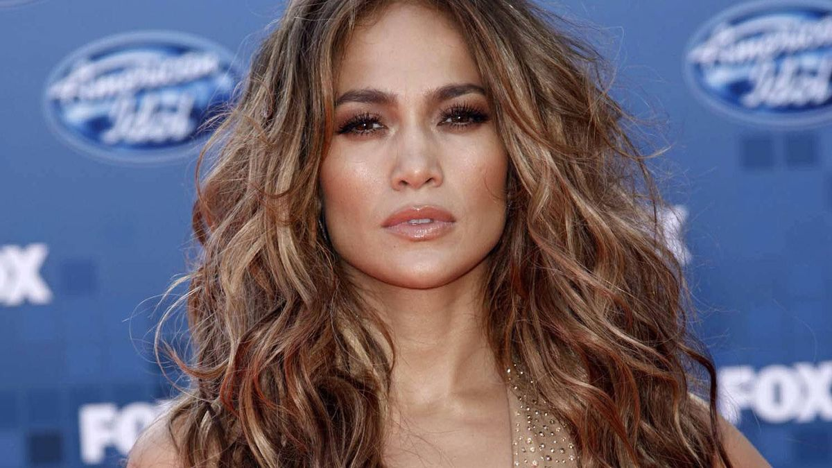 """Jennifer Lopez arrives at the American Idol Finale in Los Angeles on May 25, 2011. An executive producer for """"American Idol"""" announced that Lopez will return as a judge for another season of the reality singing competition series."""