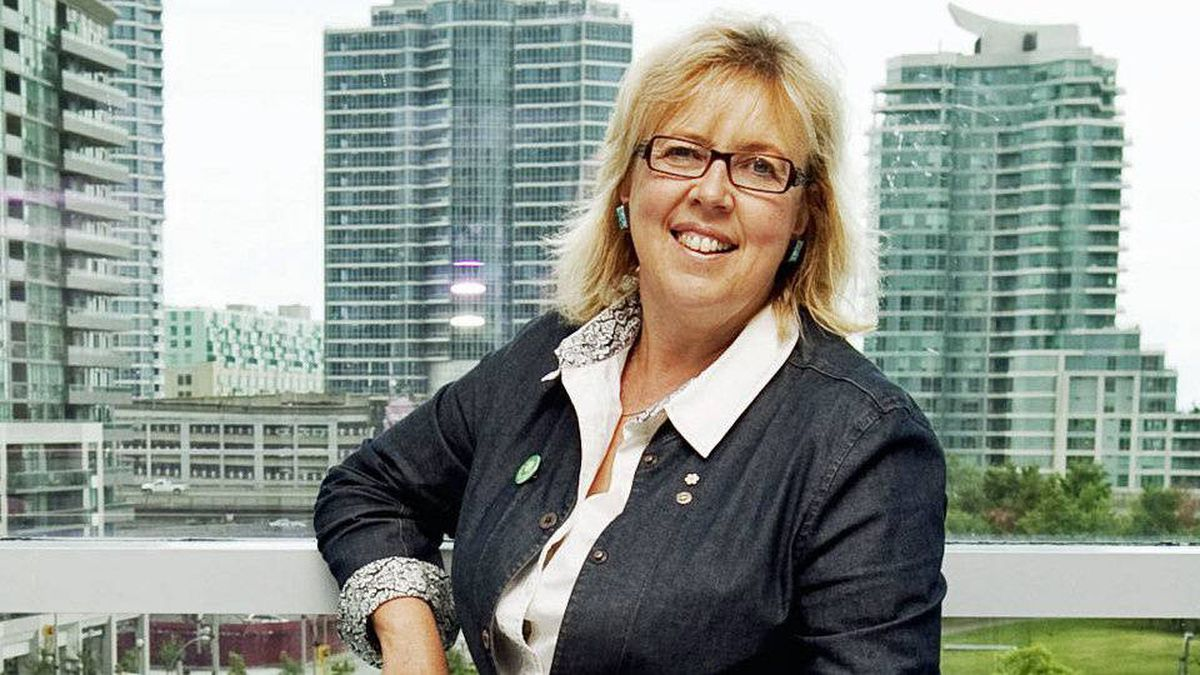 Elizabeth May poses for a photo during the Green Party's convention in Toronto on Aug. 22, 2010.
