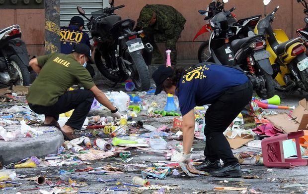 Bomb blast at Philippine shopping centre kills 2, wounds dozens