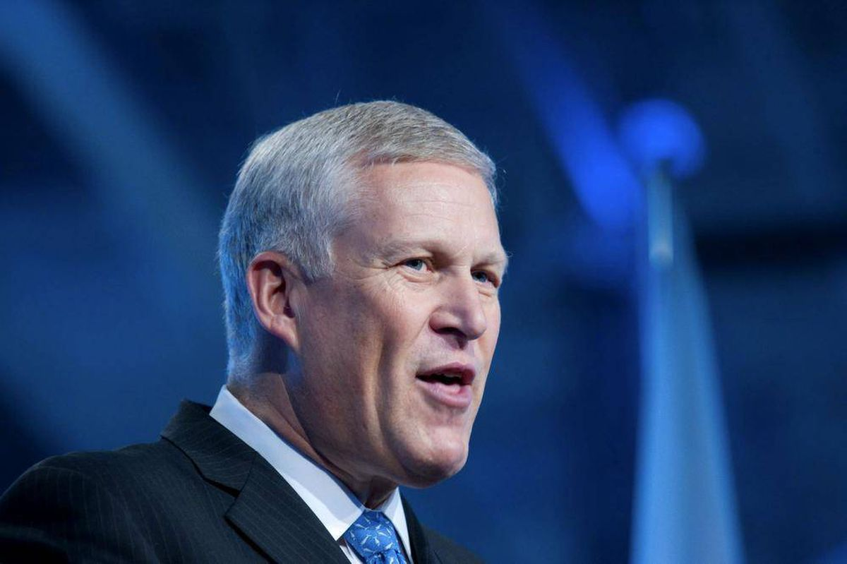 report louis r chenevert united technologies corporation essay Louis r chênevert is the former chairman & chief executive officer of united  technologies corporation he was elected president & chief.