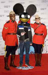 If there were any justice, those Mounties would be real and they would be arresting Tired5chtick for the singleminded and pointless repetition of a banal act of self-promotion by a Canadian of narrow talent.