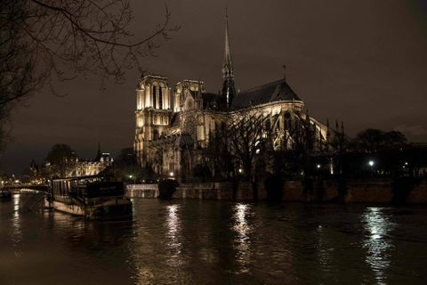 france experiences worst rain in 50 years floods peak in paris the globe and mail. Black Bedroom Furniture Sets. Home Design Ideas