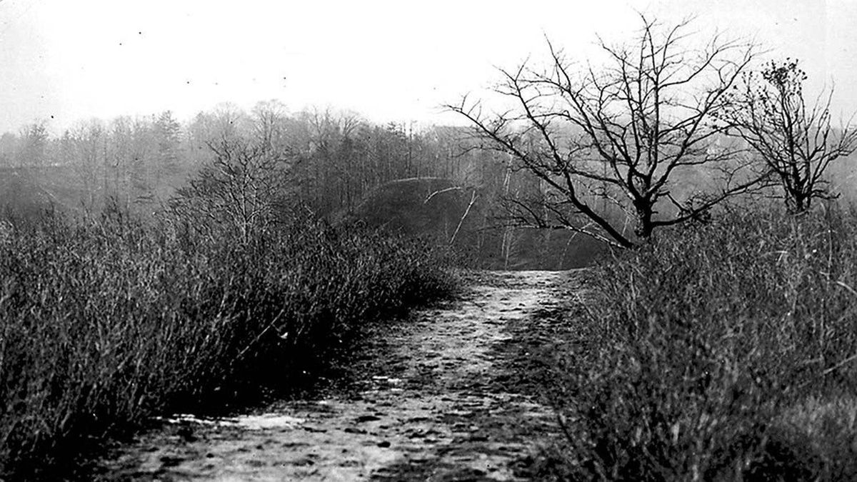 A footpath across the Don Valley in 1908, where the Prince Edward Viaduct would be built.