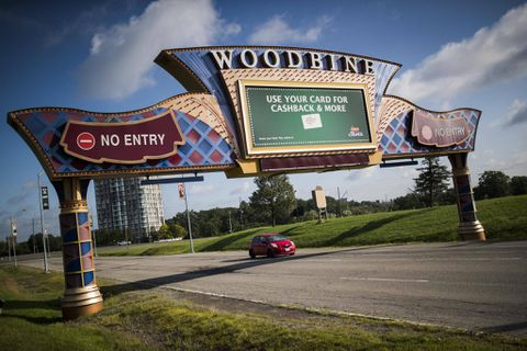 Exercise rider dies in Woodbine Racetrack accident in Toronto