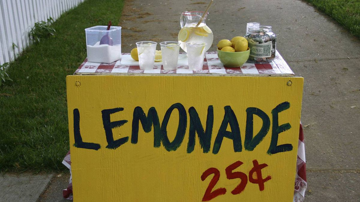 File #: 587169Exclusive iStockphoto Photographer A classic summer lemonade stand. Credit: iStockphoto (Royalty-Free) Keywords: Lemonade Stand, Lemonade, Child, Stand, Summer, Business, Lemon, Currency, Drink, Restaurant, Sugar, Heat