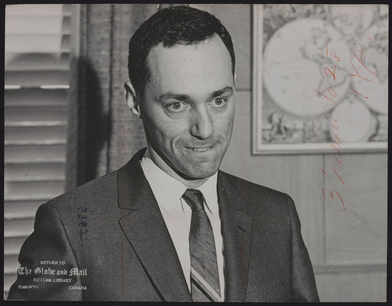 (Dr.) Morton SHULMAN Toronto. Coroner.