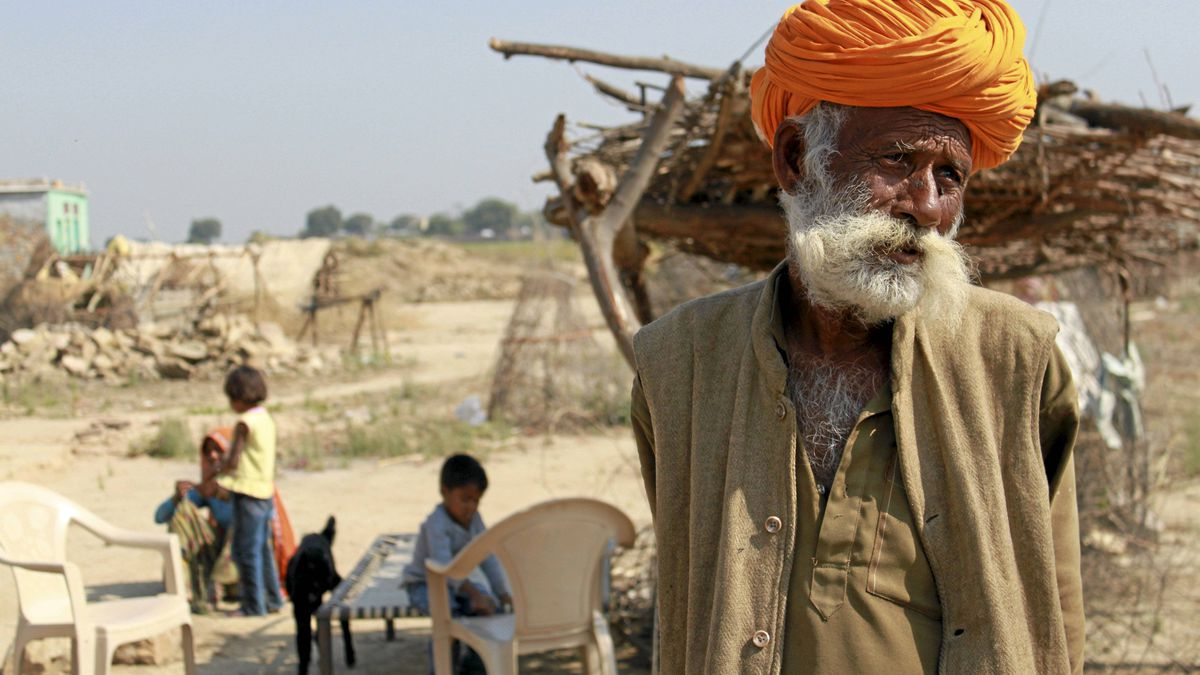 Mukan Mogiya,patriarch of a nomadic clan that lives within the Ranthambhore National Park. When the family members make theirtraditional living from hunting wild animals - including tigers - theyface poaching chrages. Now destitute, the Mogiyas say wildlife conservationists have left them with no way to survive.