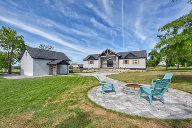Updated rural Niagara bungalow takes a while to find a buyer